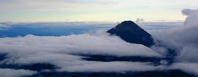 El montañismo y deportes de aventura y los deportes de grupo o equipo