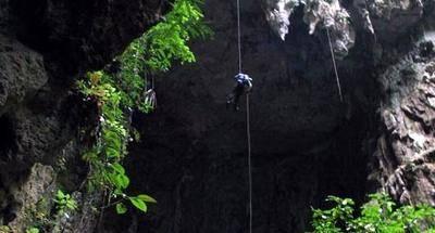 Visita a Bombil Pek, una cueva interesante