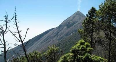Cima del volcán de Fuego