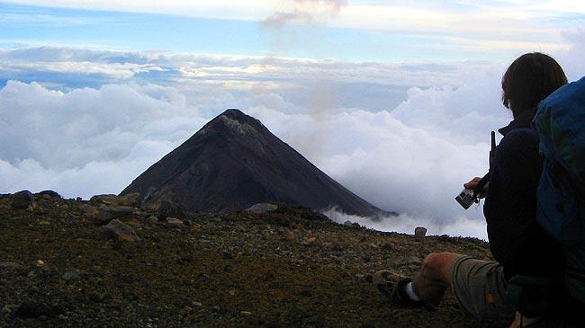 Cómo prepararte para subir volcanes
