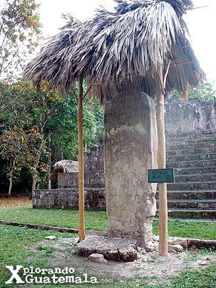 Ceibal y sus estelas mayas