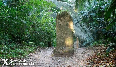 Ceibal y sus estelas mayas / foto 10