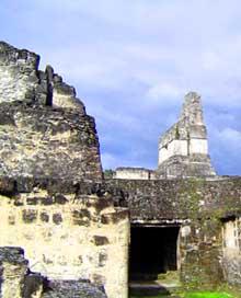 Parque Arqueológico Tikal. Foto por Explorador.