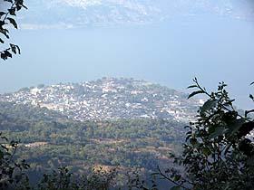 San Pedro la Laguna visto desde el Volcán San Pedro. Foto: Explorador