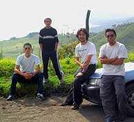 Héctor, Alberto, Will y Edgar en las faldas del Acatenango.