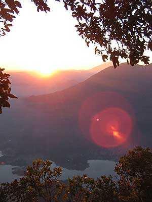Amanecer en la cima del Volcán San Pedro.