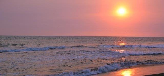 Un atardecer sin igual en la playa de Sipacate