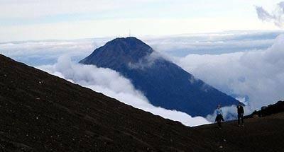 Cómo prepararse para el primer volcán