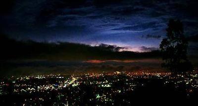 Lluvia y relámpagos, un espectáculo sobre la ciudad de Guatemala