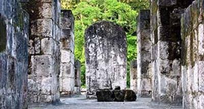 Sitio arqueológico Ceibal en Sayaxché