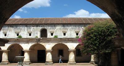 Conozcamos la Iglesia y Convento de Capuchinas en La Antigua Guatemala