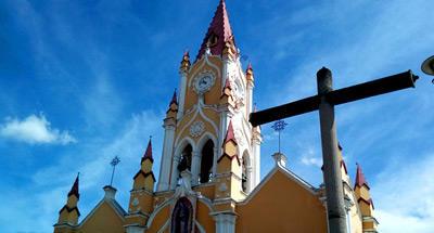 Iglesia de San Felipe: colores y sabores cerca de La Antigua Guatemala