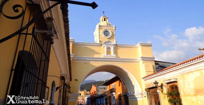 Reloj del Arco de Santa Catalina Antigua Guatemala