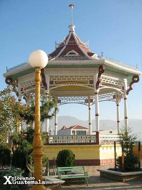 Kiosko del Parque Central de San Marcos