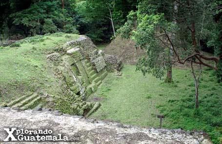Uaxactún al norte de Tikal / foto 2