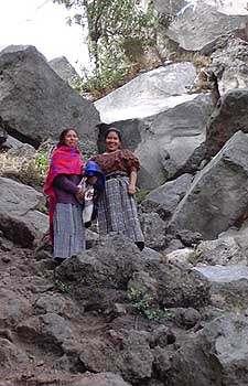 Grutas en Cerro Quemado