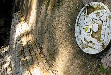 Detalle de plaza y juego de pelota en Cancuén.