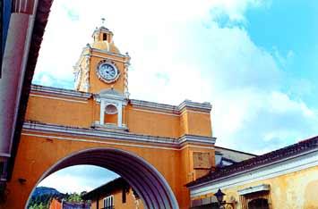 Emblemático Arco de Santa Catalina.
