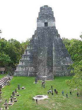 Pirámide del Gran Jaguar, Gran Plaza de Tikal, Petén.