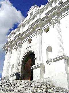 Graderío de Chichicastenango: costumbres que perduraron pese a la cristianización