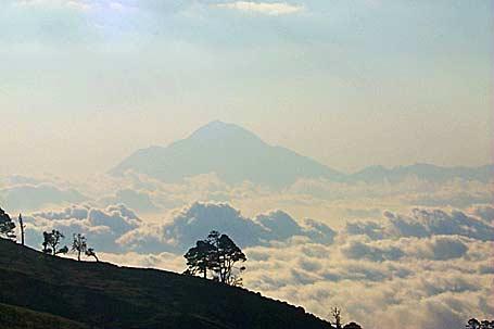 Tacaná desde la ladera de Tajumulco